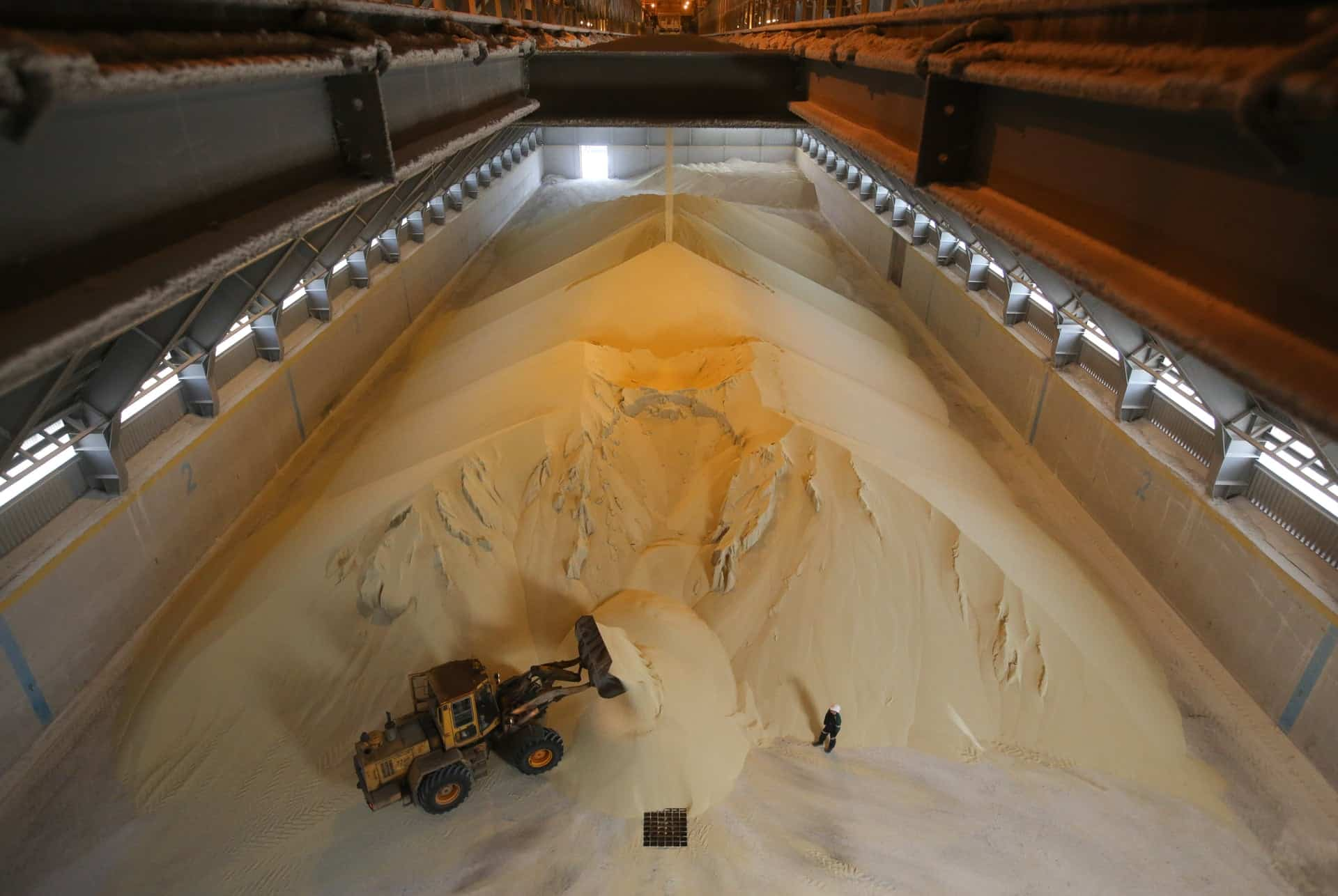 Are There Alternative Methods for Phosphate Fertilizer Production to Prevent Conflicts?